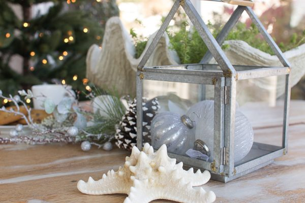Simple decorating by the sea for Christmas I Finding Silver Pennies