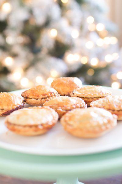 Golden Mini Mince Pies - Finding Silver Pennies