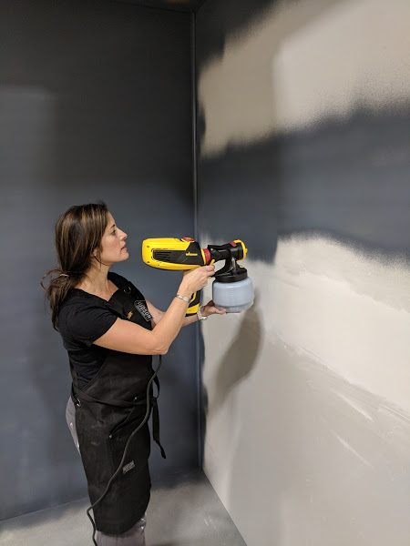 Spraying walls in calligraphy wall color with Wagner I Finding Silver Pennies