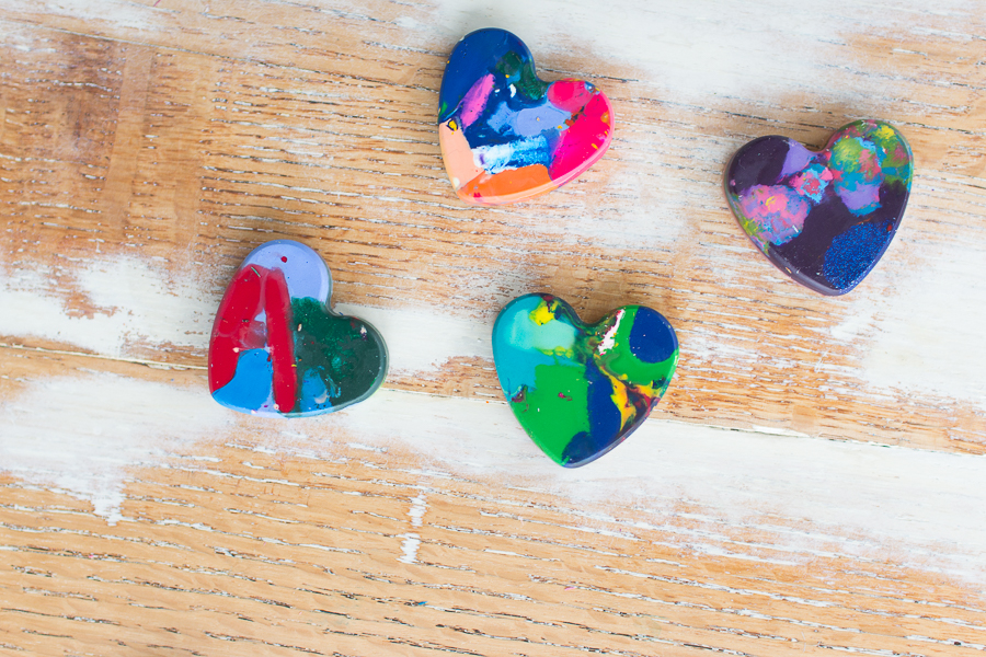 Make these heart crayons with your kids I Finding Silver Pennies