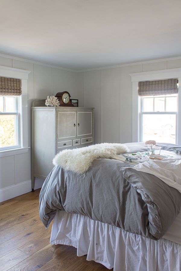 Simple Decor in Coastal Bedroom and lovely wide plank hardwood floors I Finding Silver Pennies