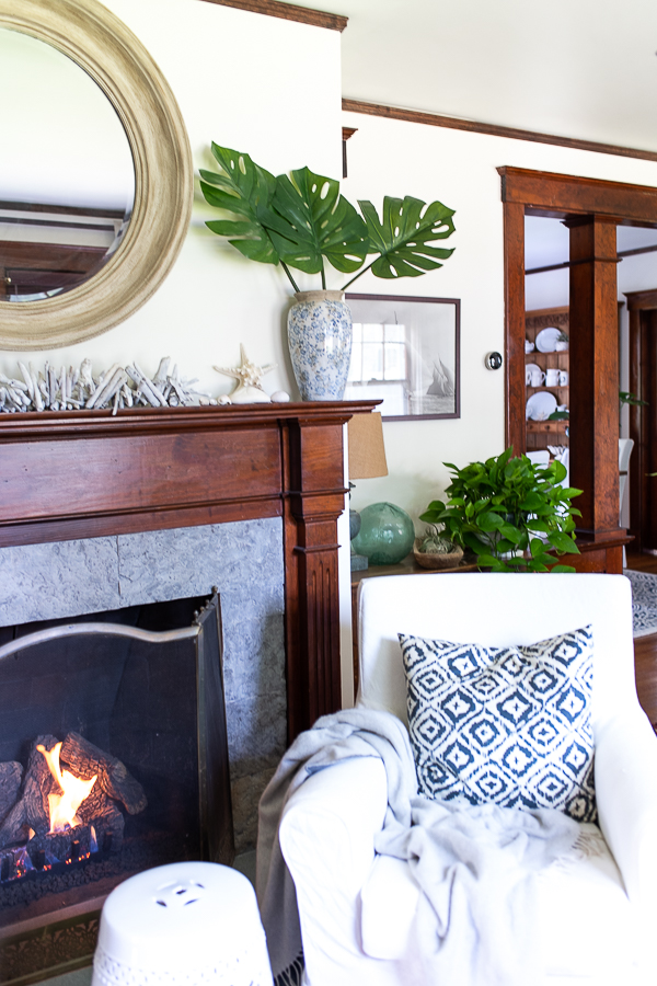Simple Summer Mantel - Finding Silver Pennies