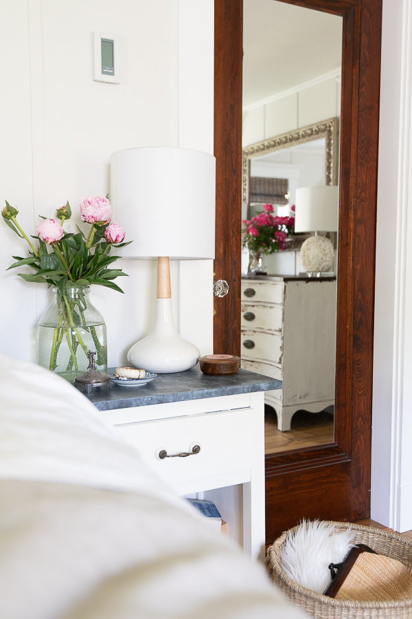 Seaside style in the bedroom - Finding Silver Pennies