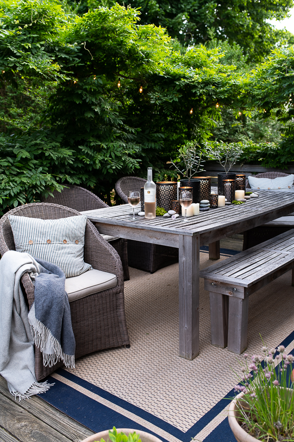 Summer nighttime entertaining on the deck - Finding Silver Pennies