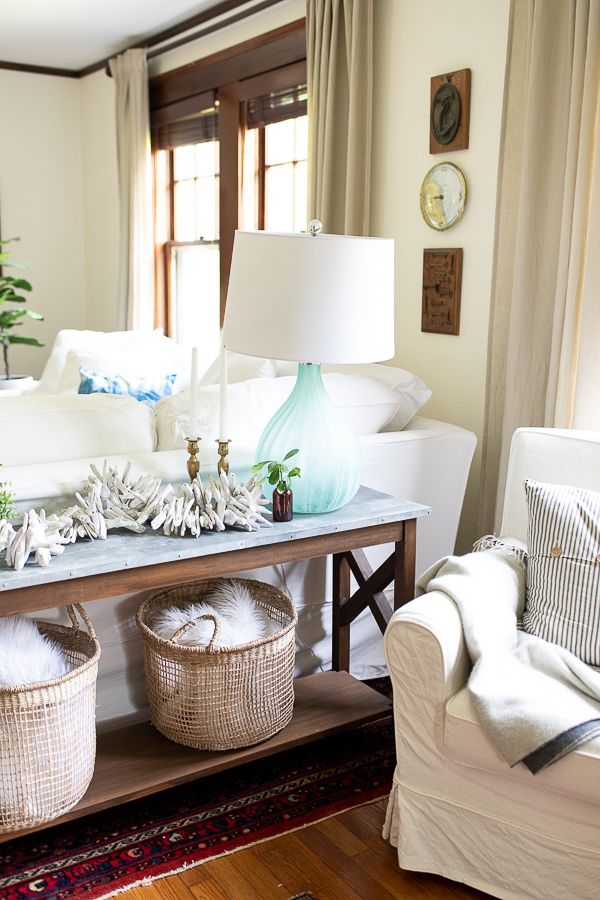 Warm coastal style in the living room - Finding Silver Pennies