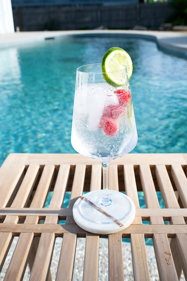Refreshing poolside cocktails - Finding Silver Pennies