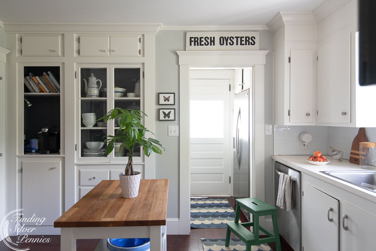 Our simple and classic coastal kitchen - Finding Silver Pennies