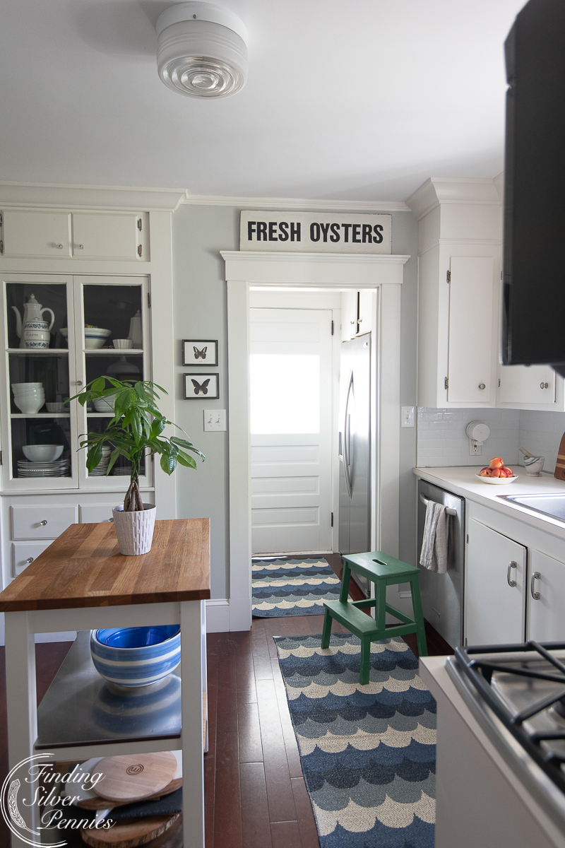 A coastal kitchen and how to make a fresh oysters sign that looks vintage - Finding Silver Pennies
