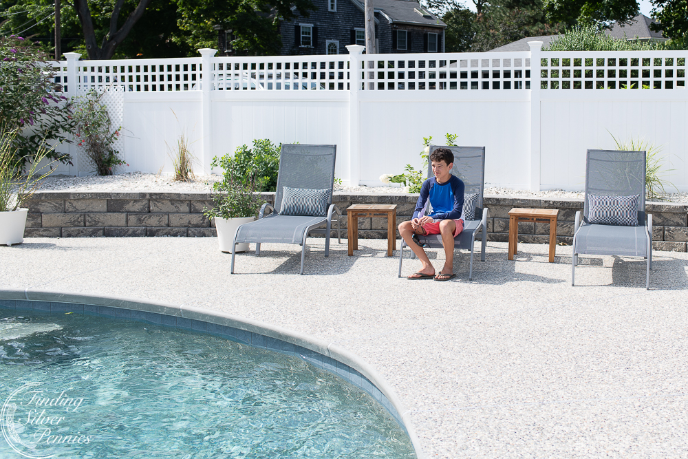 Poolside - lovely recliners from Ikea #ikea #affordableinteriors #homedecor
