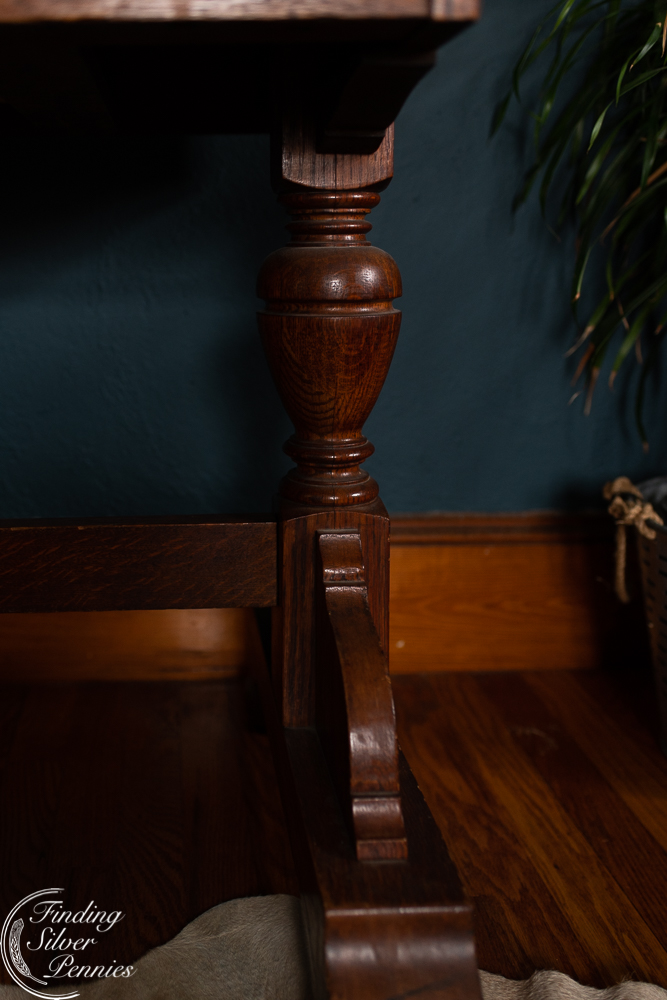 Details of a Stickley library table