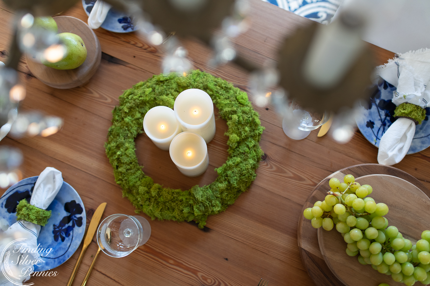 learn to make this pretty moss wreath #moss #crafts #DIYmosswreath #diymossnapkinrings #winterdecorating #hygge #cozyliving