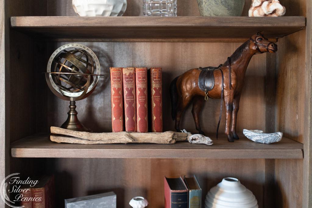 Graywashed bookcase with layered styling #bookcase #office #englishstyle #bookshelf #stylingtips