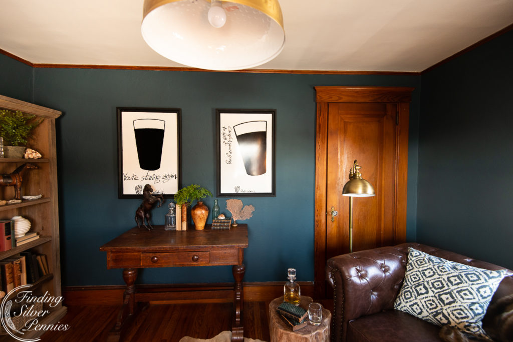 Cozy home office #bookcase #office #englishstyle #bookshelf #stylingtips