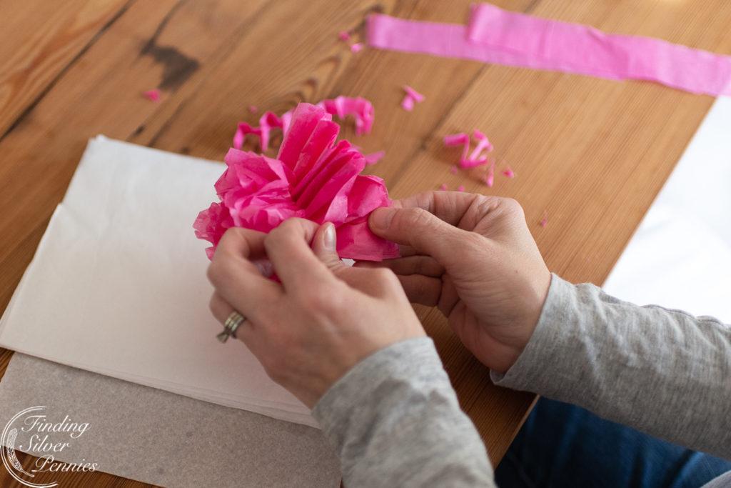How to make realistic looking paper peonies #crafts #tissuepaperflowers #paperflowers #spring
