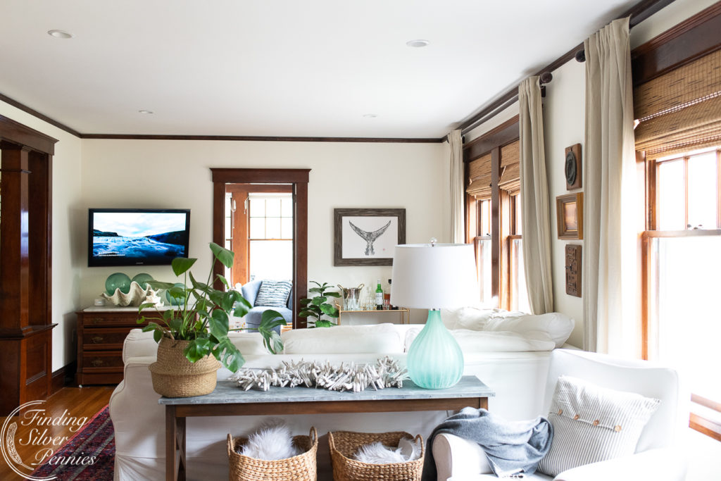 A New England Living Room | Finding Silver Pennies