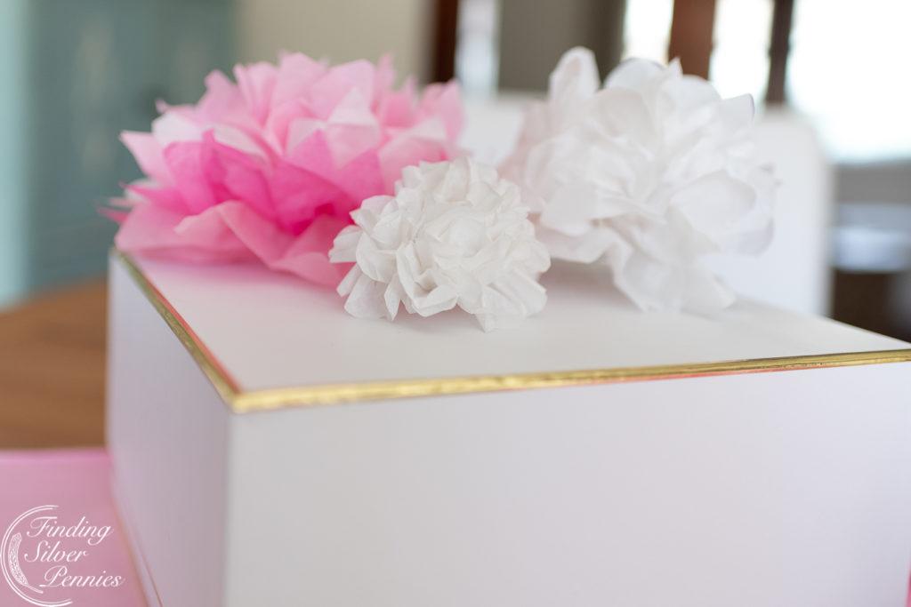 Paper flowers make great present toppers #crafts #tissuepaperflowers #paperflowers #spring