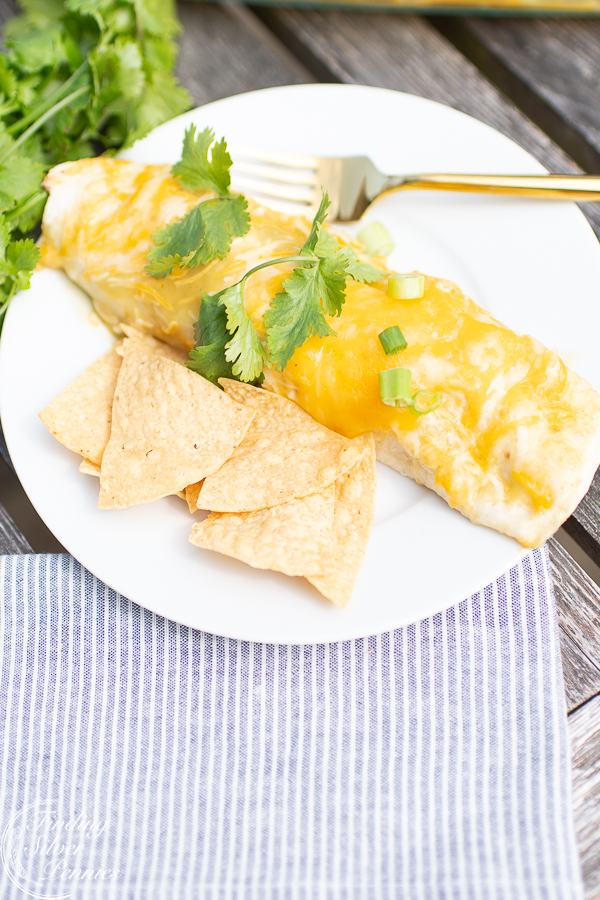You need to make these creamy enchiladas | Finding Silver Pennies #cincodemayo #recipe #healthy #mexican #enchiladas