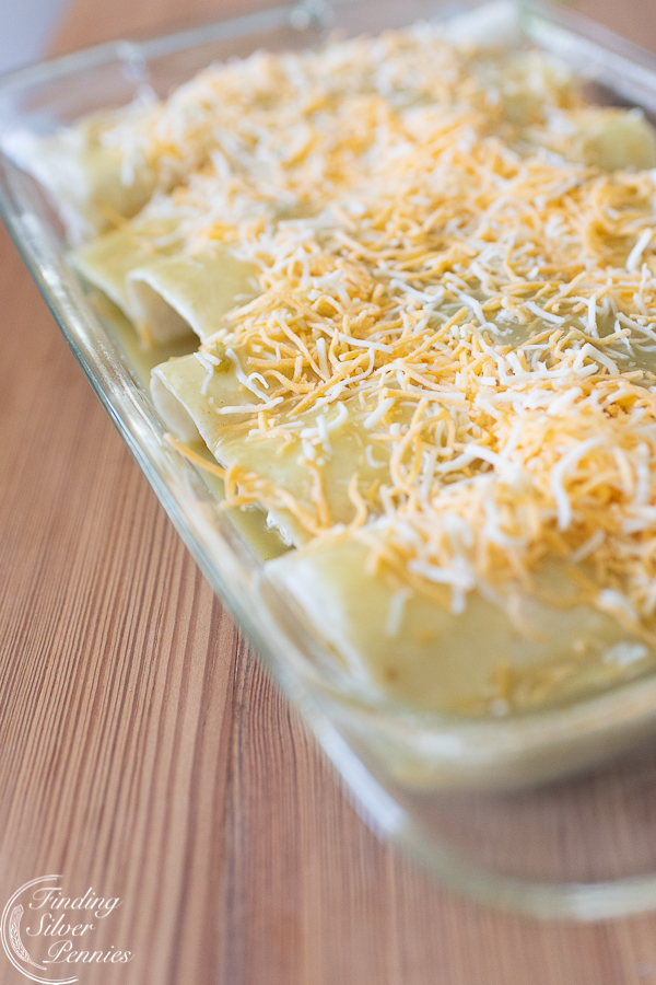 Bake these enchiladas for 20 minutes | Finding Silver Pennies #cincodemayo #recipe #healthy #mexican #enchiladas